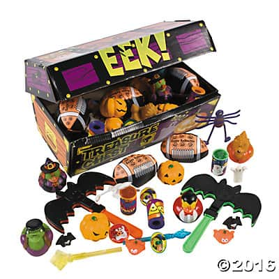 deluxe-halloween-treasure-chest-toy-assortment-25_2322a